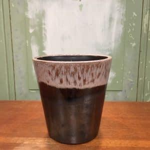 bloempot zwart met oudroze